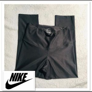 NIKE Women's leggings sz M